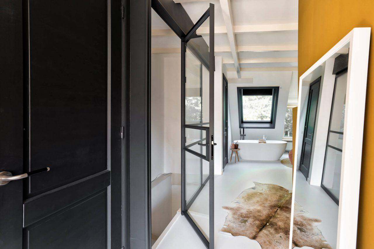 Pui slaapkamer met scharnierdeur GewoonGers